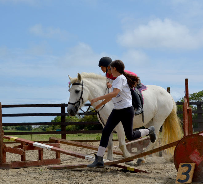 horse-riding-lesson-hazelwood-stables-10