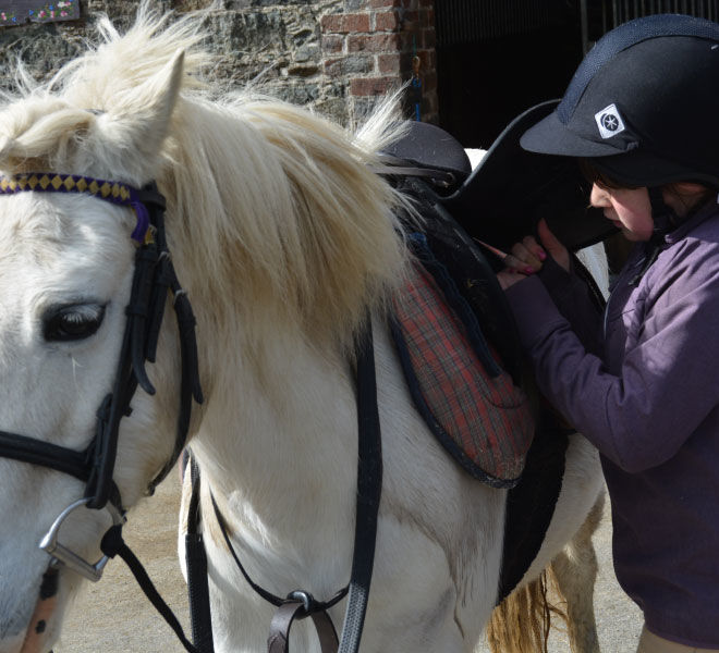 horse-riding-lesson-hazelwood-stables-7